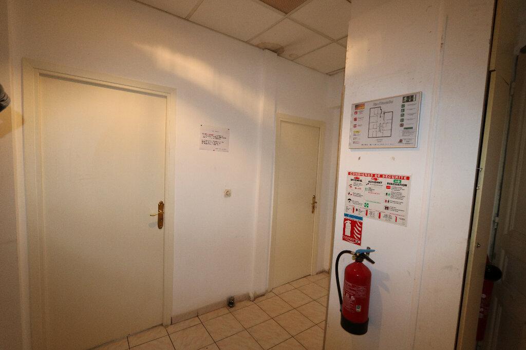 Appartement à vendre 14 233m2 à Nice vignette-3