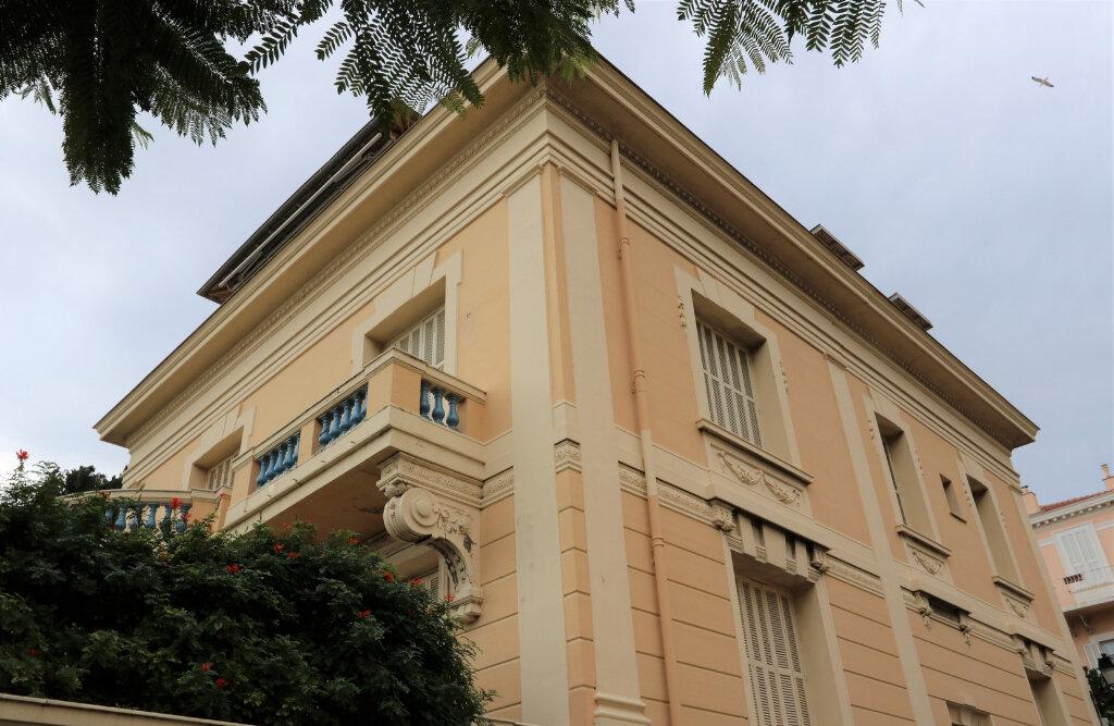 Appartement à vendre 3 117m2 à Beaulieu-sur-Mer vignette-2