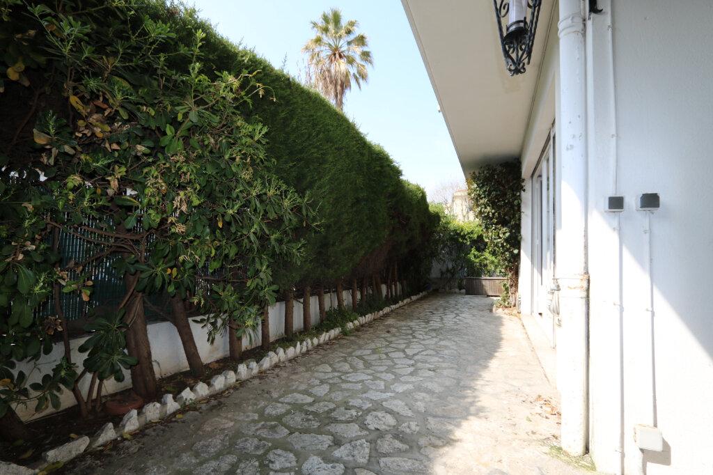 Appartement à vendre 3 95.47m2 à Nice vignette-1