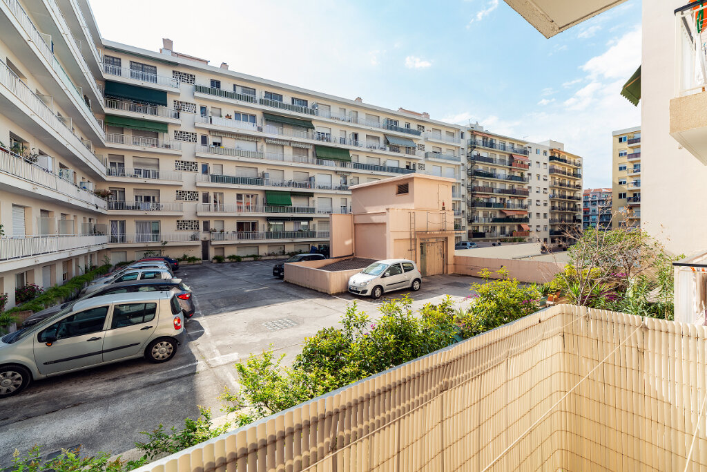 Appartement à vendre 4 79m2 à Nice vignette-10