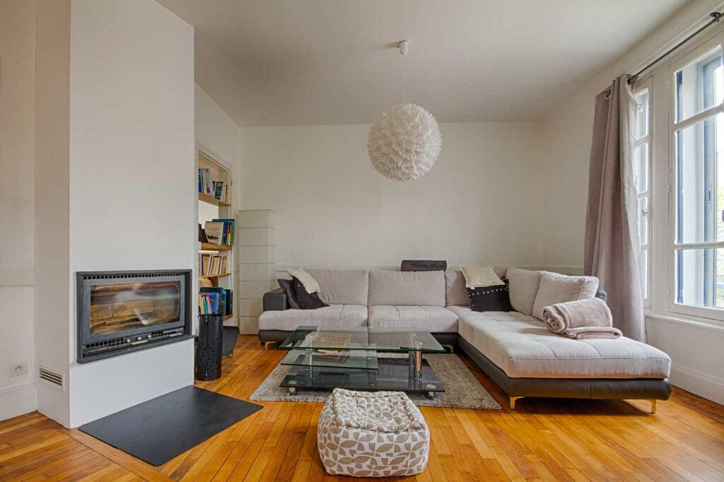 Appartement à vendre 4 107m2 à Vannes vignette-1