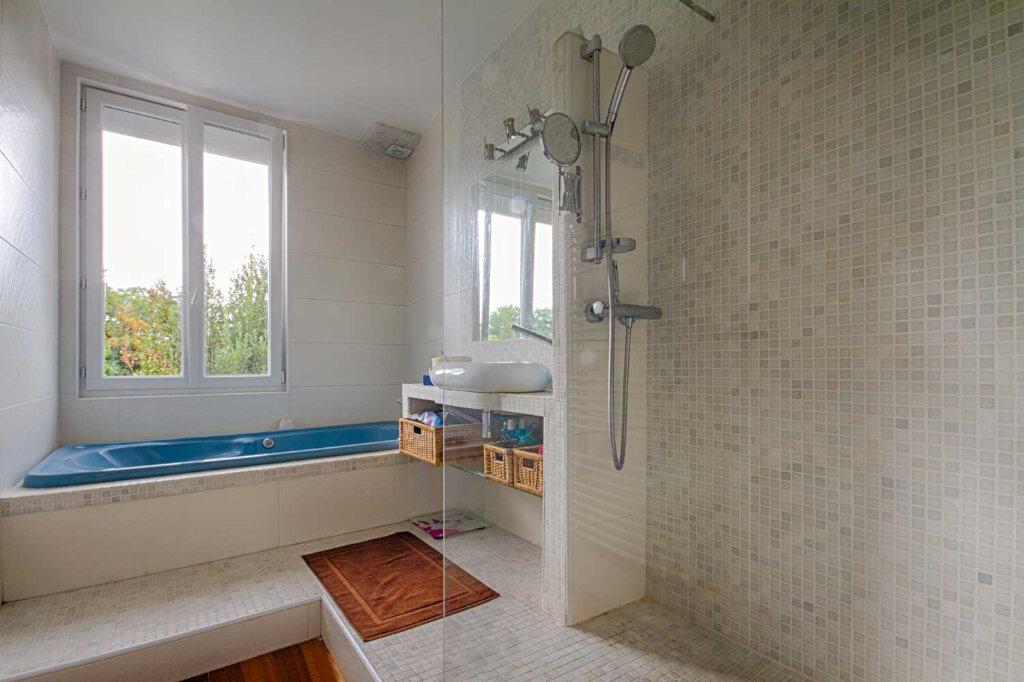 Appartement à vendre 4 107m2 à Vannes vignette-5
