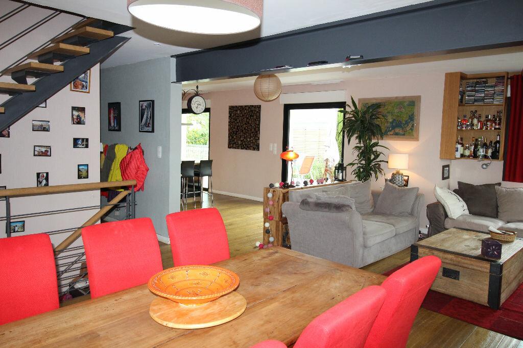 Maison à vendre 6 150m2 à Ploeren vignette-1