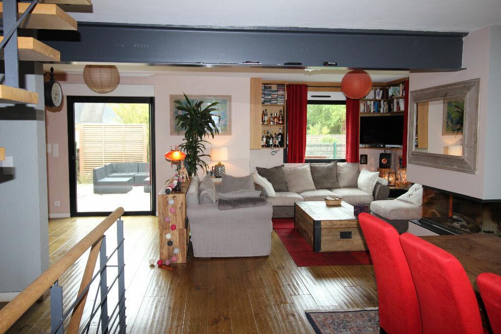 Maison à vendre 6 150m2 à Ploeren vignette-3