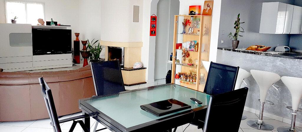 Maison à vendre 6 133.05m2 à Treffléan vignette-2