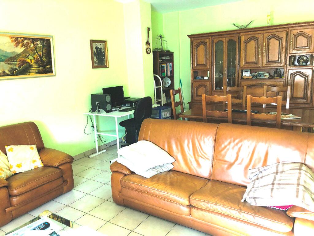 Appartement à vendre 4 90.4m2 à Serémange-Erzange vignette-2