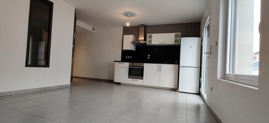 Appartement à louer 3 53m2 à Cattenom vignette-1