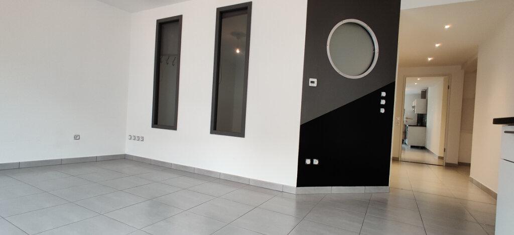 Appartement à louer 3 53m2 à Cattenom vignette-3