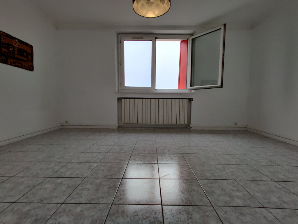 Appartement à louer 3 55.39m2 à Thionville vignette-4