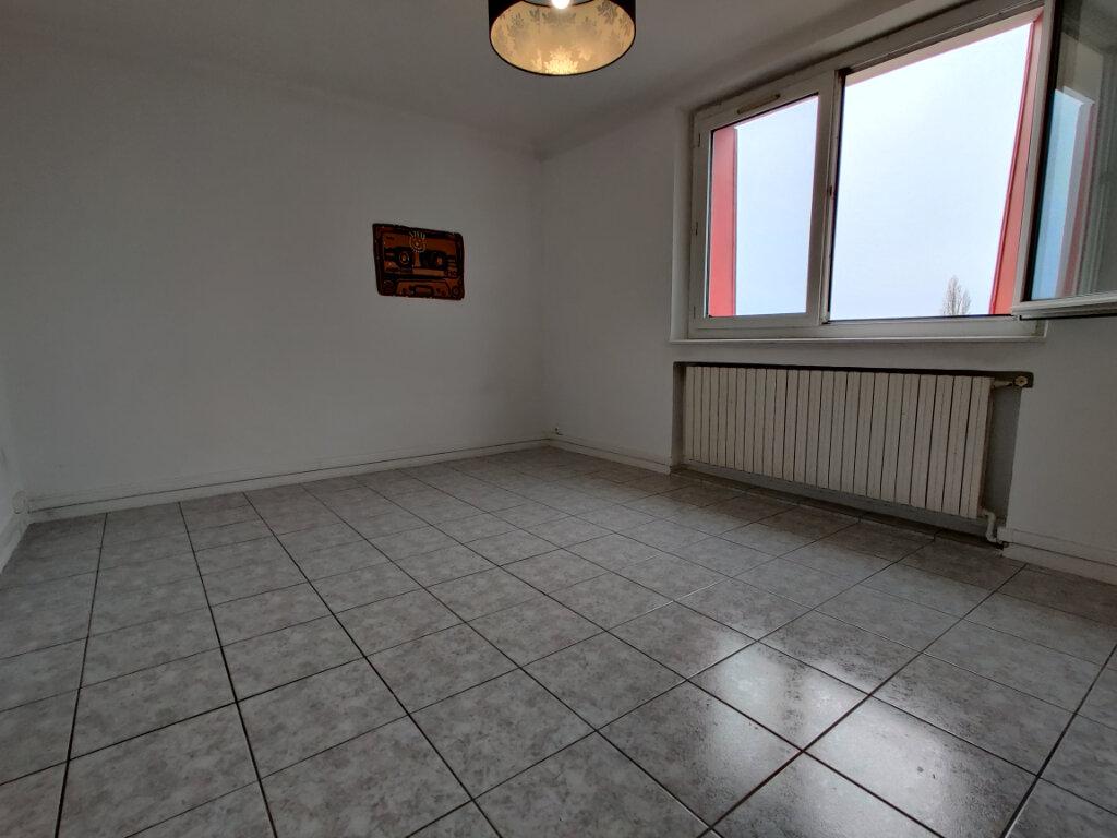 Appartement à louer 3 55.39m2 à Thionville vignette-6