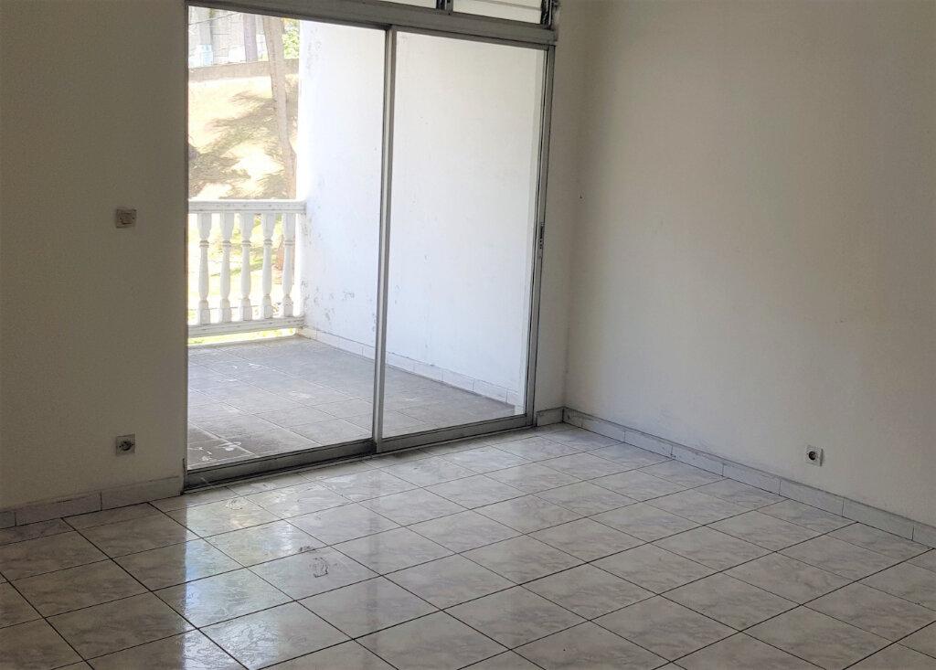 Appartement à vendre 3 70.54m2 à Fort-de-France vignette-1