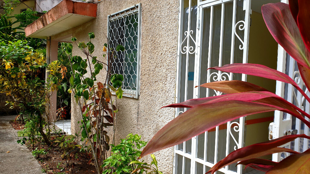 Appartement à louer 2 25.89m2 à Les Trois-Îlets vignette-1