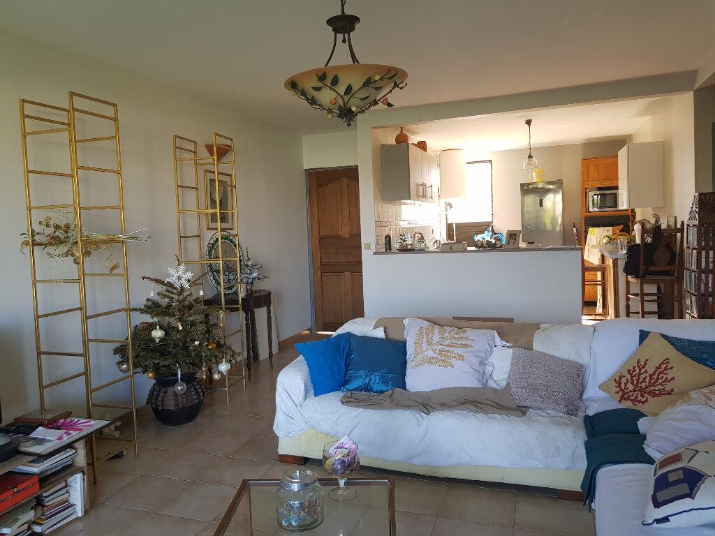 Appartement à vendre 3 83m2 à Fort-de-France vignette-1
