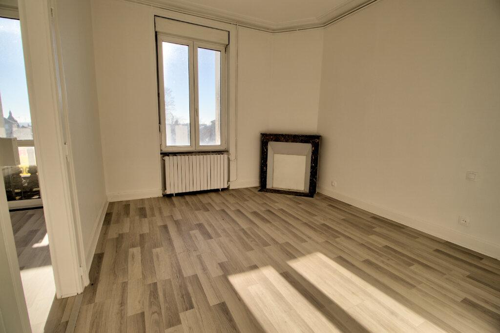 Appartement à louer 3 62m2 à Briey vignette-2