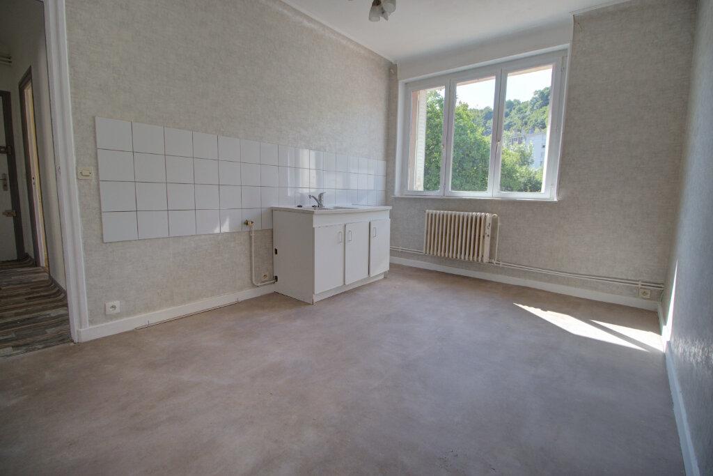 Appartement à louer 4 88m2 à Joeuf vignette-1