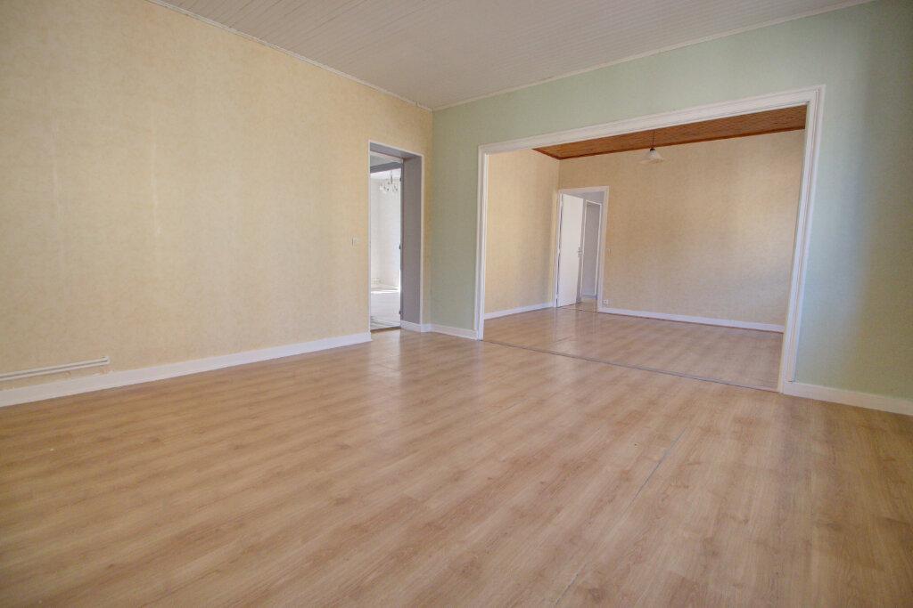 Appartement à louer 4 88m2 à Joeuf vignette-2