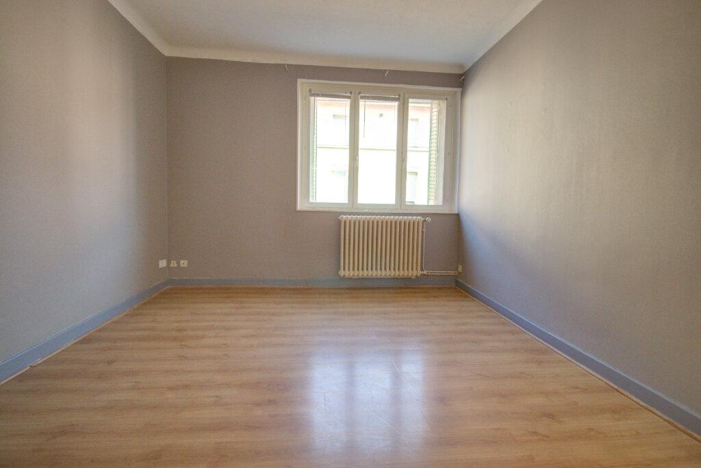 Appartement à louer 4 88m2 à Joeuf vignette-5