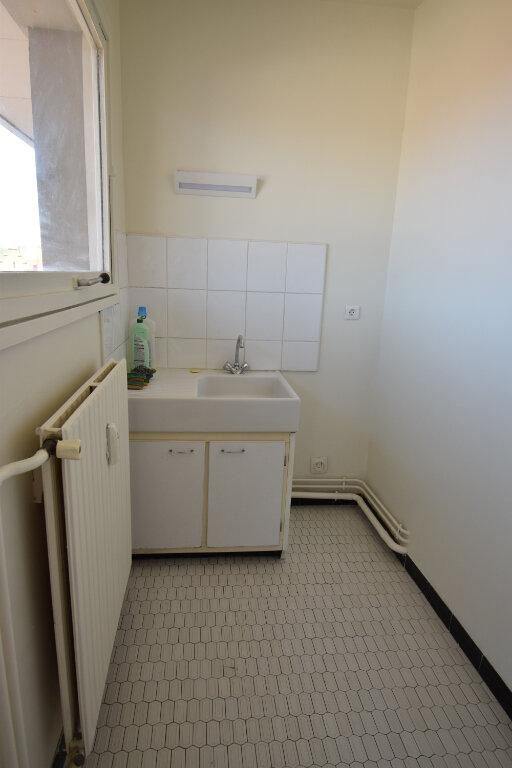 Appartement à louer 1 25.82m2 à Metz vignette-5