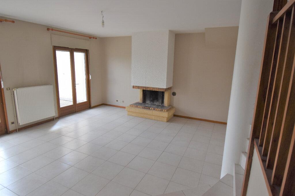 Maison à louer 6 137m2 à Metz vignette-2