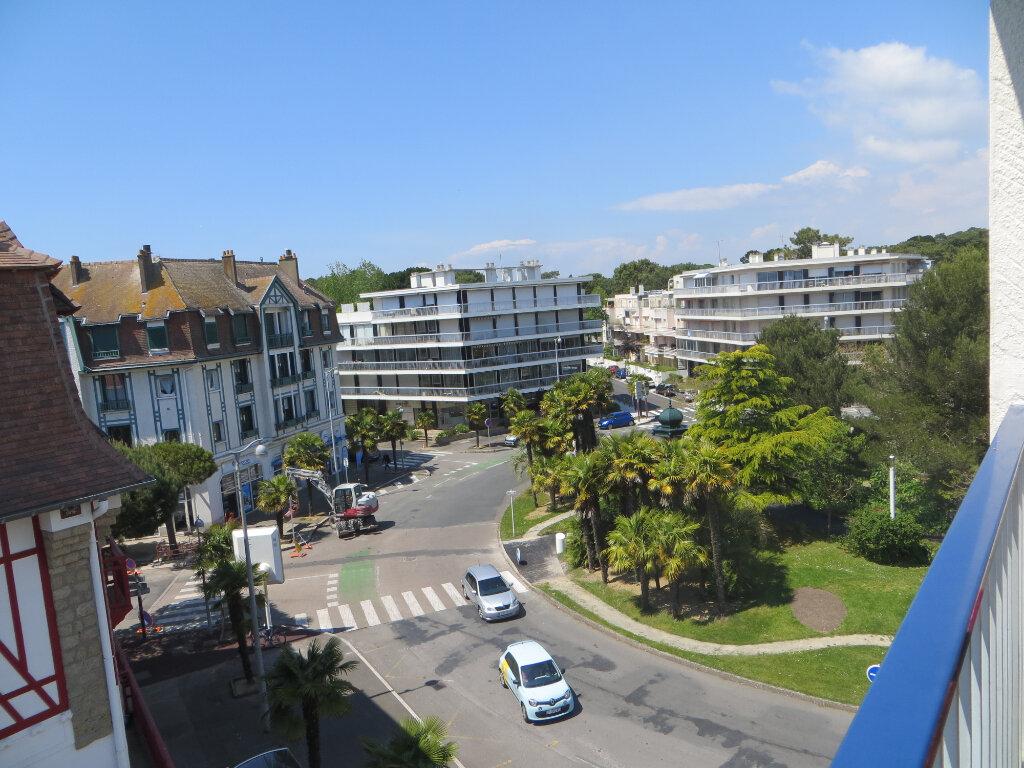 Appartement à vendre 3 72.16m2 à La Baule-Escoublac vignette-1