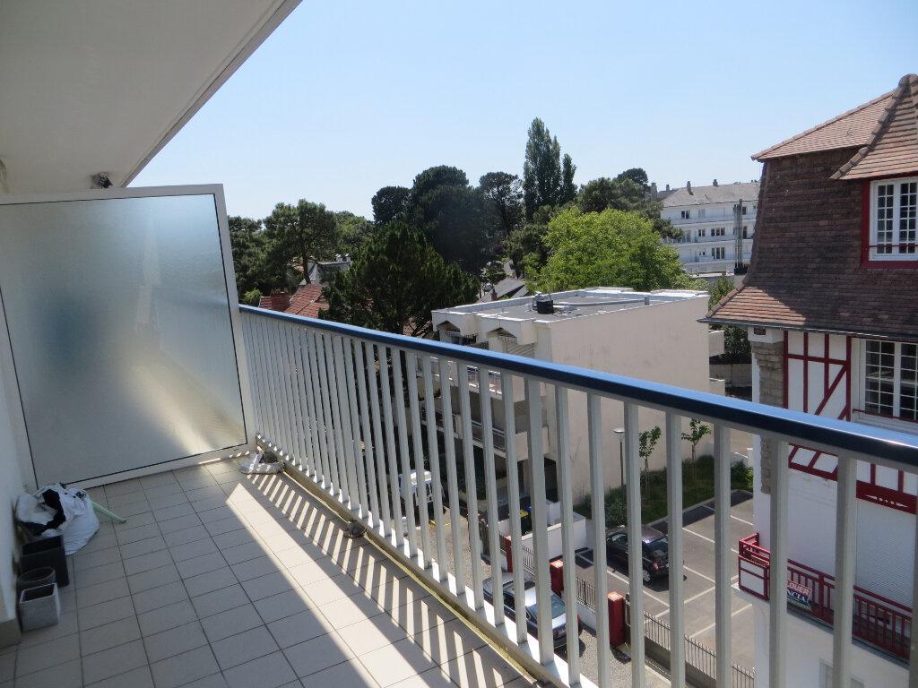 Appartement à vendre 3 72.16m2 à La Baule-Escoublac vignette-2