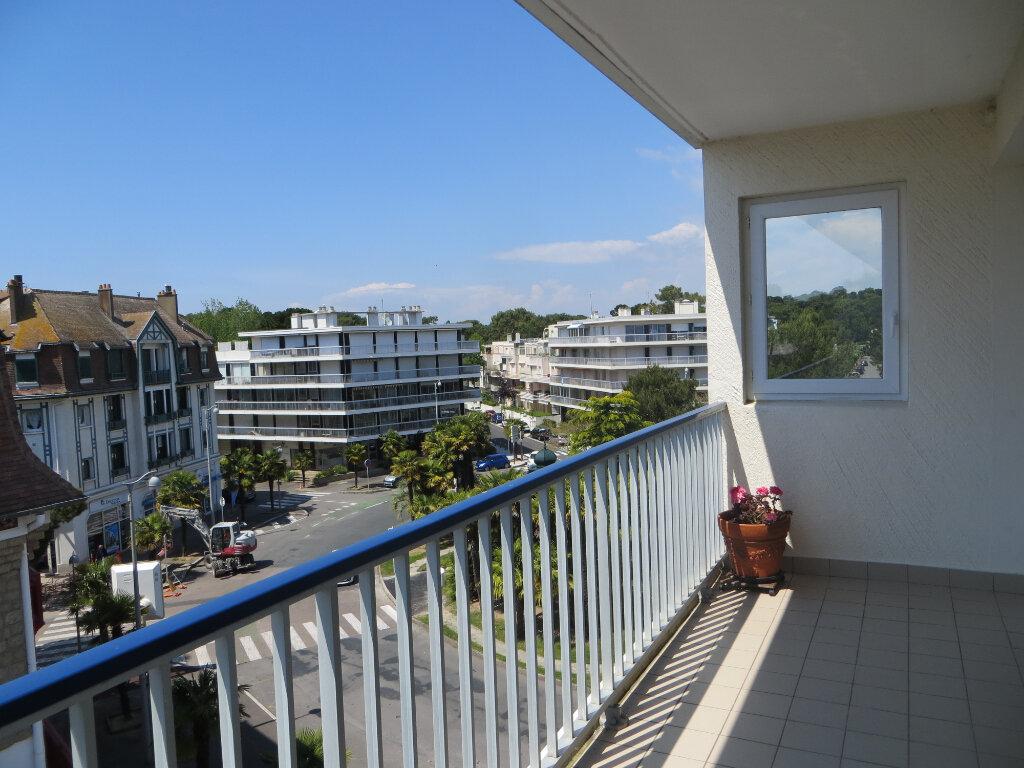 Appartement à vendre 3 72.16m2 à La Baule-Escoublac vignette-3