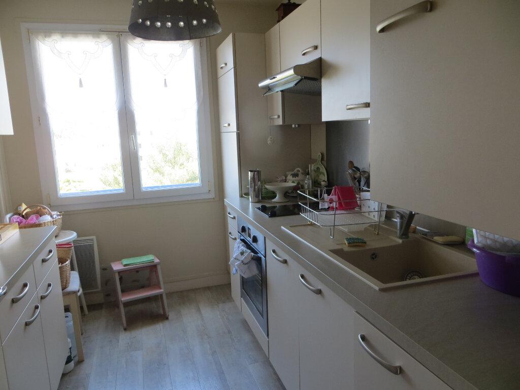 Appartement à vendre 3 72.16m2 à La Baule-Escoublac vignette-5