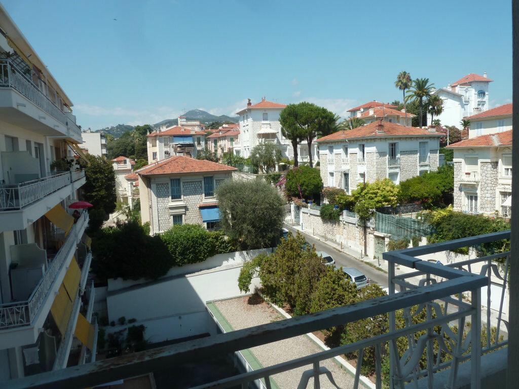 Appartement à louer 1 33.81m2 à Nice vignette-1