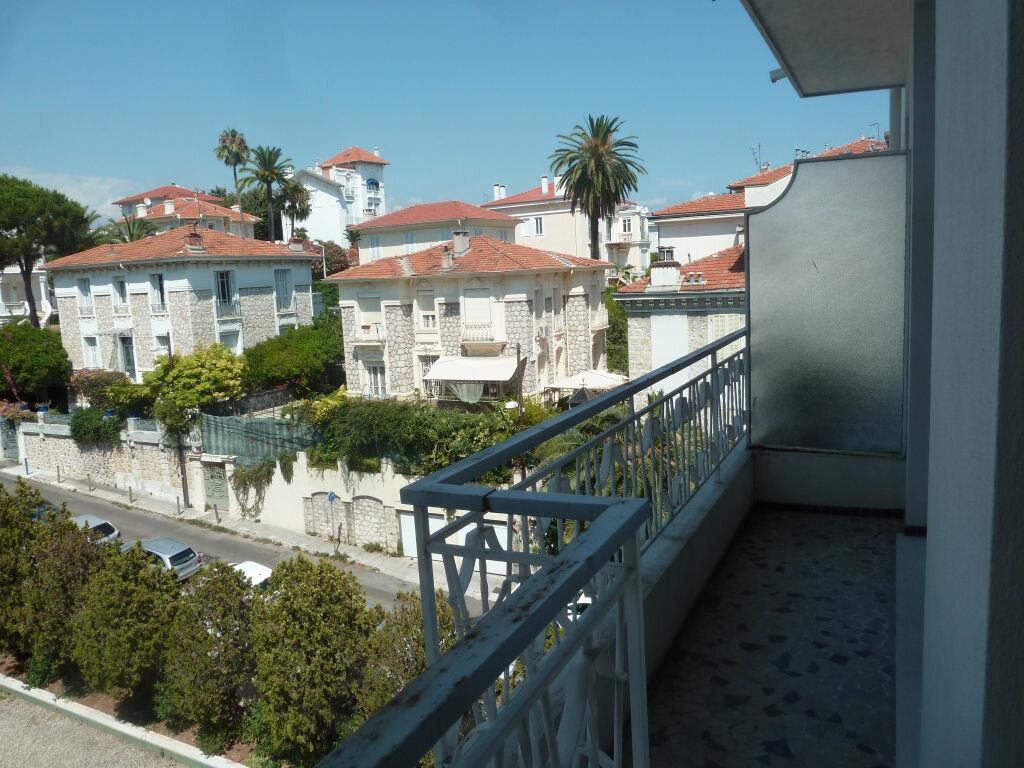 Appartement à louer 1 33.81m2 à Nice vignette-5