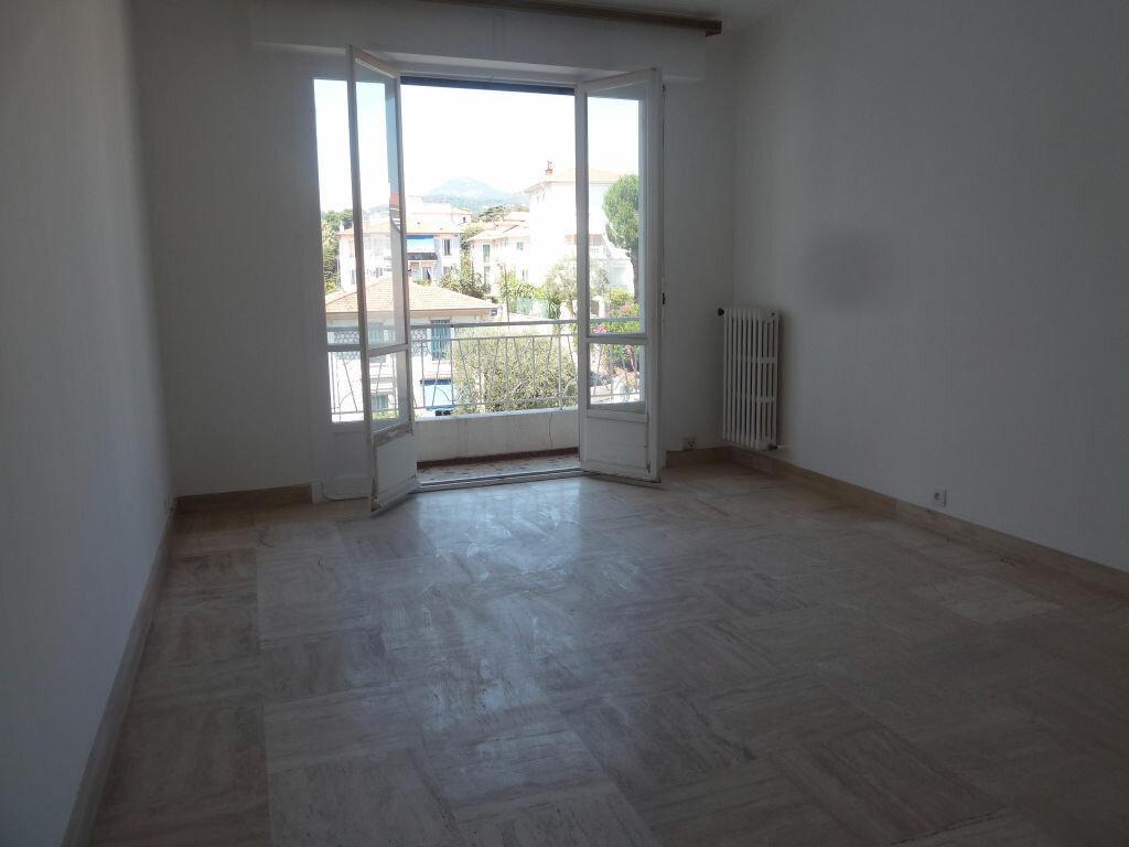 Appartement à louer 1 33.81m2 à Nice vignette-6