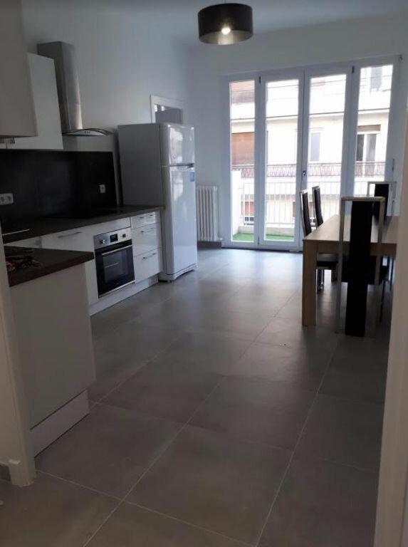 Appartement à louer 1 81.19m2 à Nice vignette-2