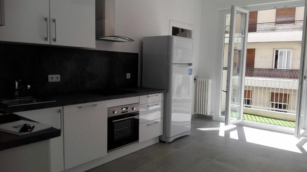 Appartement à louer 1 81.19m2 à Nice vignette-3