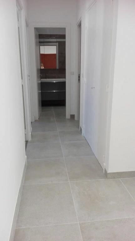 Appartement à louer 1 81.19m2 à Nice vignette-7