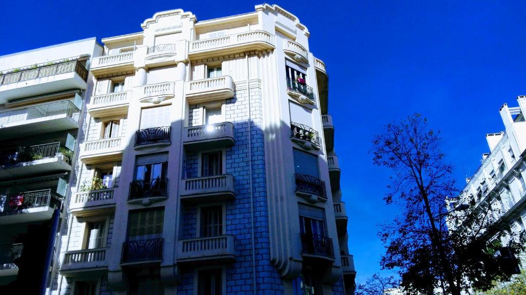 Appartement à louer 2 51.11m2 à Nice vignette-1