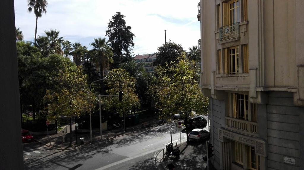 Appartement à louer 2 51.11m2 à Nice vignette-2