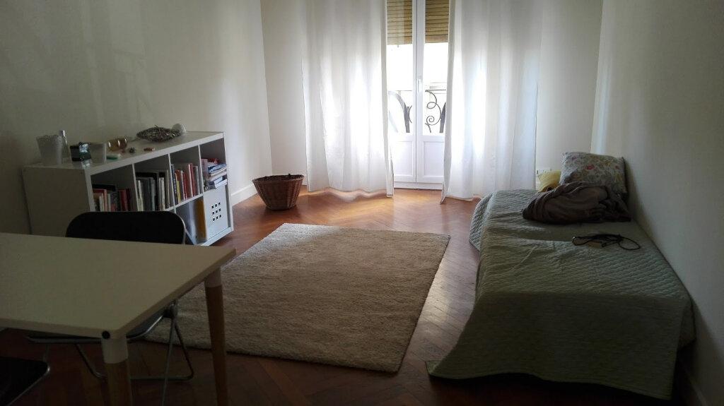 Appartement à louer 2 51.11m2 à Nice vignette-3