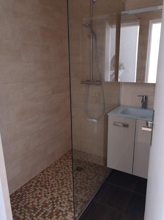 Appartement à louer 1 28.07m2 à Nice vignette-4