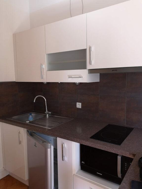 Appartement à louer 1 28.07m2 à Nice vignette-9
