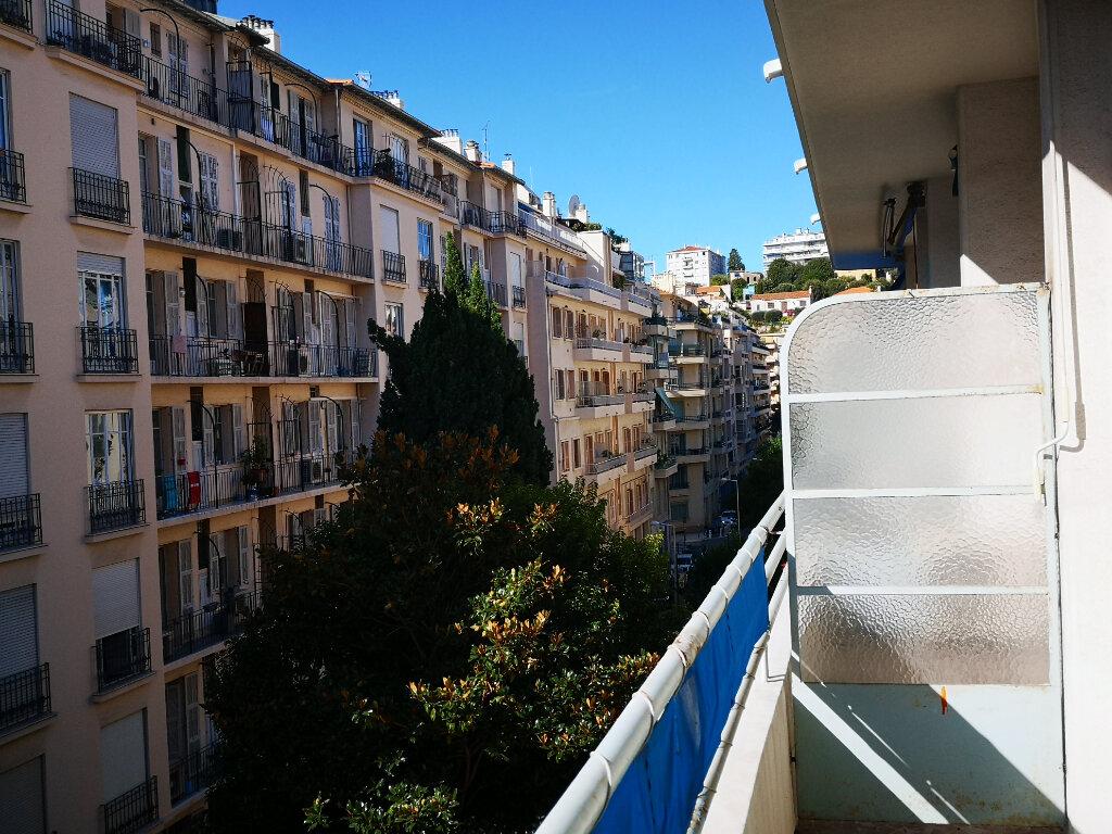 Appartement à louer 1 28.07m2 à Nice vignette-10