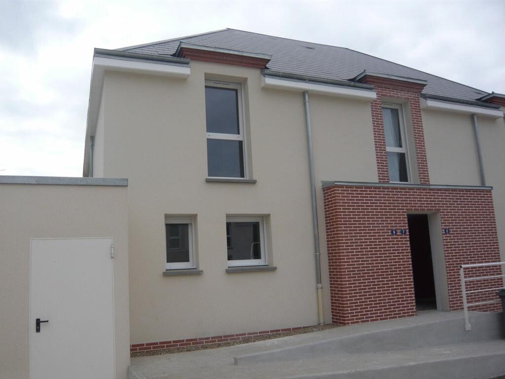 Maison à louer 3 61m2 à Saint-Denis-en-Val vignette-1