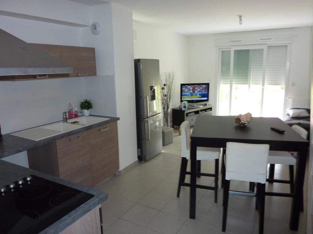 Maison à louer 3 61m2 à Saint-Denis-en-Val vignette-4
