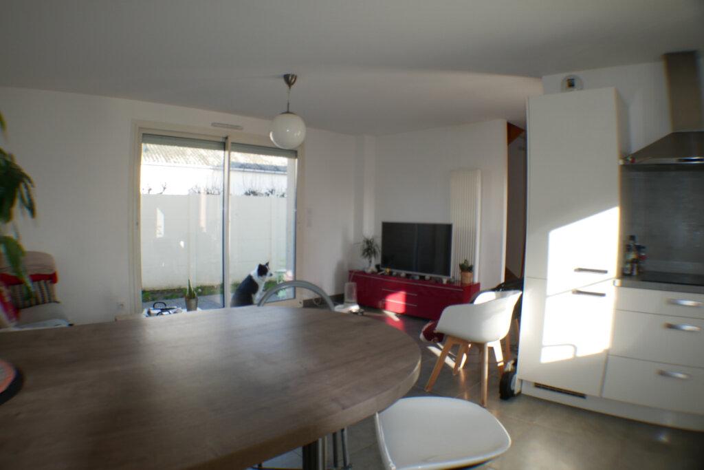 Maison à vendre 4 90m2 à Saint-Denis-en-Val vignette-4