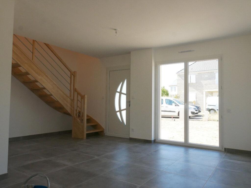 Maison à louer 5 116m2 à Saint-Denis-en-Val vignette-2