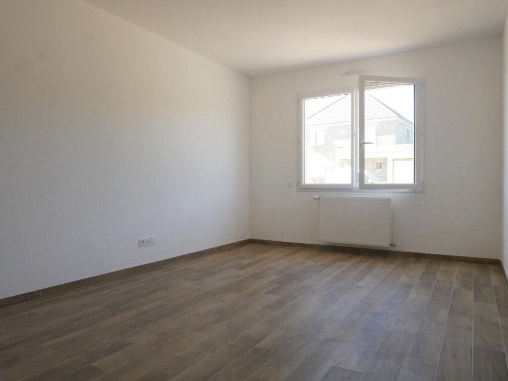 Maison à louer 5 116m2 à Saint-Denis-en-Val vignette-10