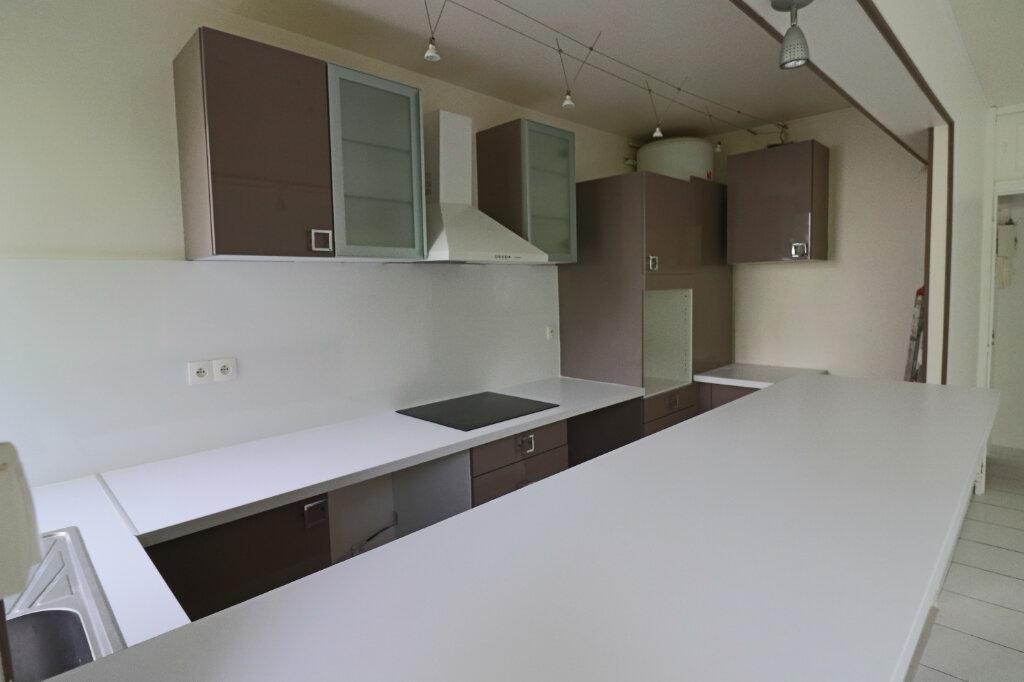 Appartement à vendre 4 69m2 à Saint-Leu-la-Forêt vignette-2