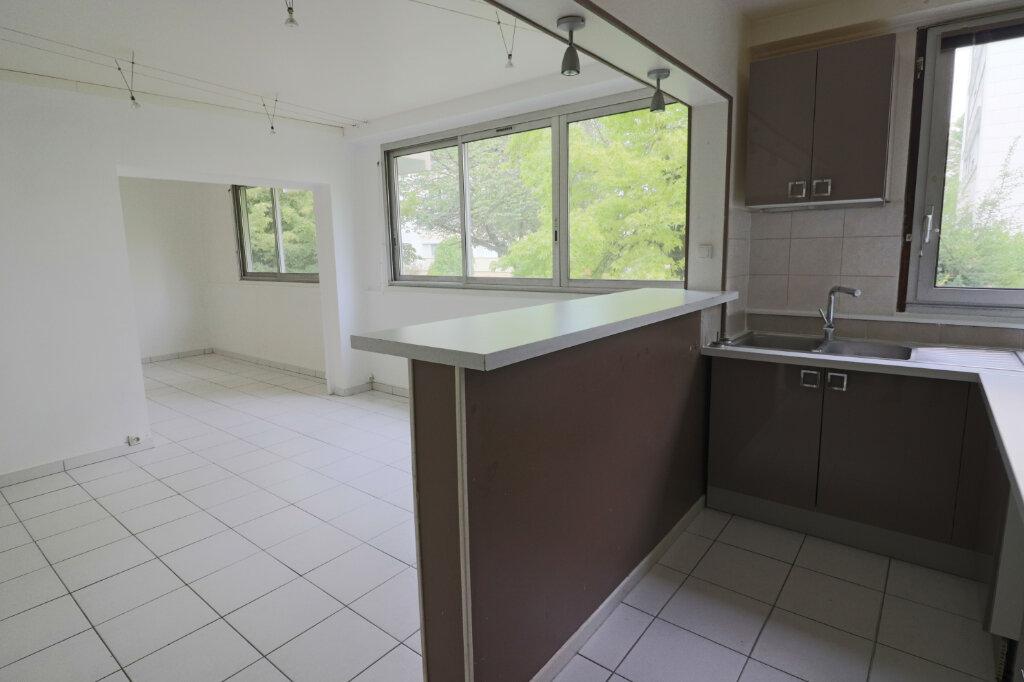 Appartement à vendre 4 69m2 à Saint-Leu-la-Forêt vignette-5