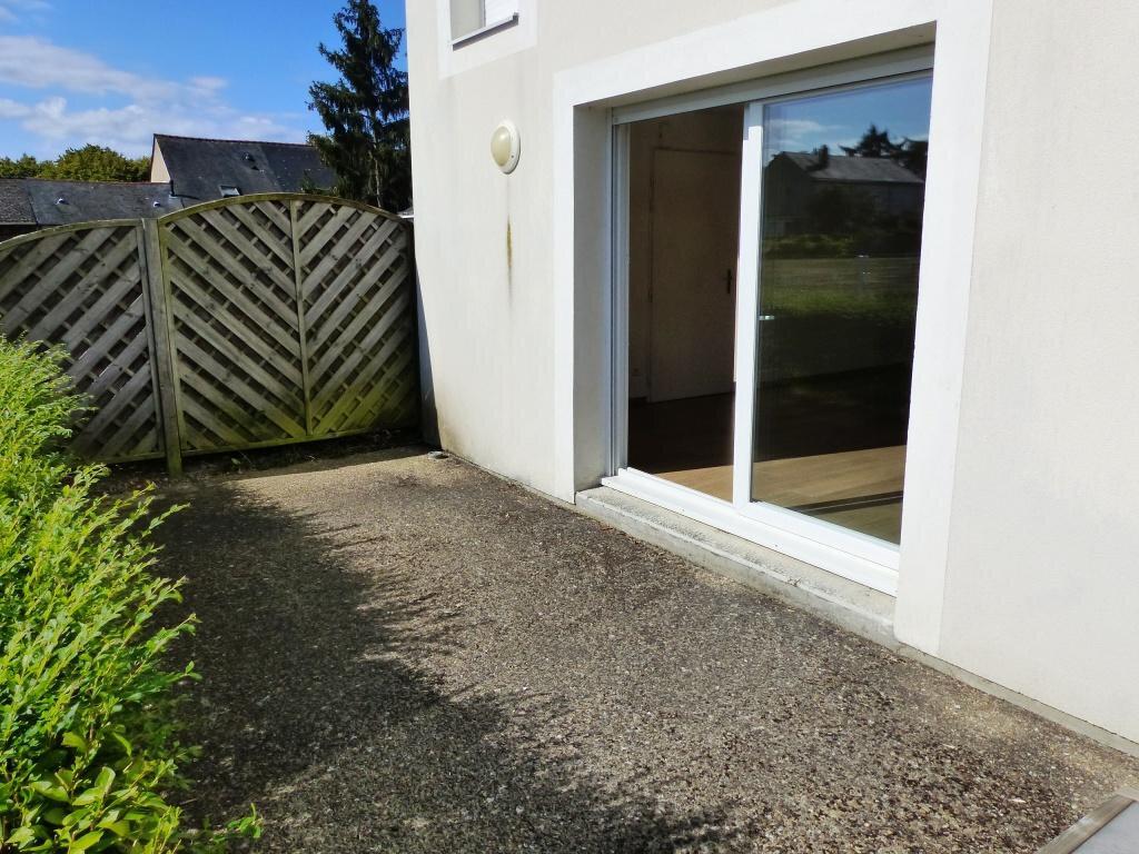 Appartement à vendre 3 66m2 à Sainte-Gemmes-sur-Loire vignette-3