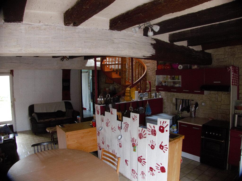Maison à vendre 3 68m2 à Soulaire-et-Bourg vignette-2
