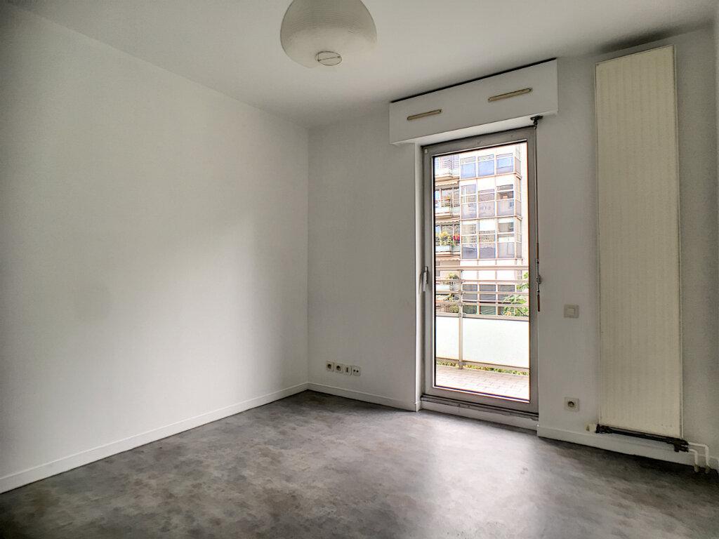 Appartement à louer 1 16.97m2 à Paris 14 vignette-1