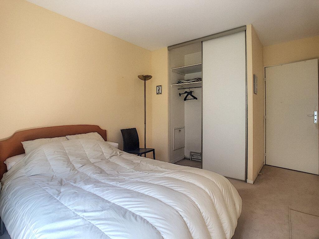 Appartement à louer 2 47.2m2 à Paris 14 vignette-4